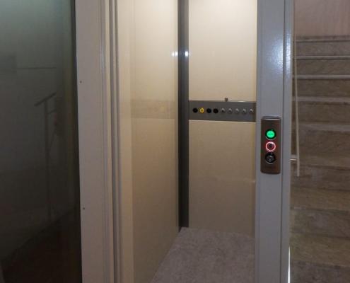 Ascensori e piattaforme elevatrici per condomini ed edifici residenziali