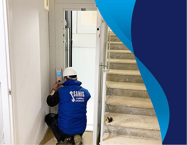 Team di installazione e progettazione ascensori, con staff esperto e costantemente aggiornato